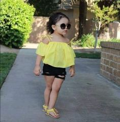 Help your kid to be the showstopper of the New Year Eve party with these upbeat New Year Eve kids' outfits, such as sequin, lacy or one-shoulder dresses. Toddler Girl Style, Toddler Girl Outfits, Baby Girl Dresses, Toddler Fashion, Kids Outfits, Kids Fashion, Cute Outfits, Toddler Girls, Stylish Baby Girls