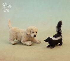 Dollhouse Miniature Golden Retriever Puppy & Baby Skunk by Paizley Pawz OOAK dog Needle Felted Animals, Felt Animals, Cute Animals, Needle Felting, Baby Skunks, Doll House People, Biscuit, Felt Dogs, Felt Baby