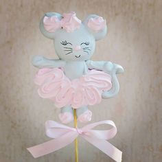 Macarons, Pavlova Recipe, Cupcake Shops, Meringue Cookies, Buttercream Flowers, Disney Cakes, Edible Gifts, Confectionery, Cake Decorating