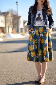 Bramblewood Fashion: What I Wore Sherlock Tee + Floral Skirt Modest Outfits, Modest Fashion, Cute Outfits, Fashion Outfits, Apostolic Fashion, Modest Clothing, Summer Outfits, Full Skirt Outfit, Midi Skirt Outfit Casual