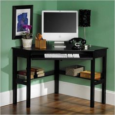 Maximize space in any room with this corner desk. {affiliate link} #smallroomdesignmaximizespace