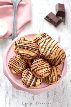 Retete muffins - Vezi aici ► Retete Laura Adamache Prosciutto, Almond, Pineapple, Almond Joy, Almonds