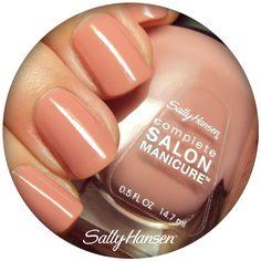 Uno de nuestros tonos favoritos para esta primavera es Pink Pong de Complete Salon Manicure, el tono rosa que siempre habías querido. ¿Cuántos esmaltes rosas tienes? (Foto: polishedcousins.com)
