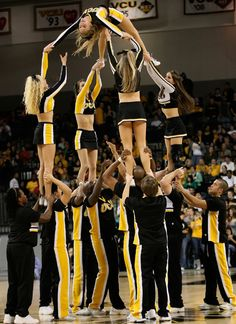 cheerleading stunting We fly high. Cheer stunt, performance, college sports game moved from Cheerleading: Collegiate board Cool Cheer Stunts, Cheerleading Workouts, College Cheerleading, Cheerleading Photos, Cheerleading Outfits, Cheer Pyramids, Cheerleading Pyramids, Cheer Coaches, Cheer Mom