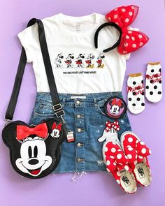 I can't get over how cute the Minnie Factor Collection from is! & how adorable is this Minnie coin purse? Disney World Outfits, Cute Disney Outfits, Disney Themed Outfits, Theme Park Outfits, Disney Clothes, Disney Shirts, Disney Merch, Disneybound Outfits, Outfits Niños