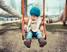 Wondering about helping kids through divorce? It's scary to think about how your divorce will impact your children. Here are 5 tips to helping kids through divorce as you face changes on the horizon. Child Support Quotes, Child Support Laws, Child Custody Laws, Child Support Payments, Parenting Classes, Parenting Styles, Parenting Advice, Kids And Parenting, Parenting Quotes