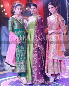 Latest Beautiful Ideas for Mehndi Dresses Pakistani Wedding Outfits, Pakistani Bridal Wear, Pakistani Dress Design, Pakistani Dresses, Indian Outfits, Pakistani Clothing, Indian Dresses, Party Wear Dresses, Bridal Dresses