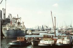 Maashaven Rotterdam (jaartal: 1960 tot 1970) - Foto's SERC Rotterdam, History Photos, Back In Time, Old City, Vintage Pictures, Vintage Posters, Holland, Beautiful Places, Skyline