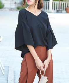 【ZOZOTOWN】Luz Llena (philter)(ラズレナ フィルター)のシャツ/ブラウス「【2017S/S 新色追加】[贅沢ジョーゼット]フレアスリーブVネックトップス」(423553)をセール価格で購入できます。