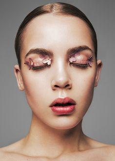 < small details > beauty shoot, beauty editorial, beauty make up, Hd Makeup, Makeup Trends, Makeup Inspo, Makeup Art, Makeup Inspiration, Flower Makeup, Beauty Makeup Photography, Beauty Shoot, Fantasy Makeup