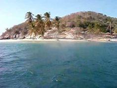Mi playa favorita: sol, arena, mar y cojinuda bien frita. Isla de Plata, frente a Pamatacualito y Pertigalete ... totalmente idealizada.