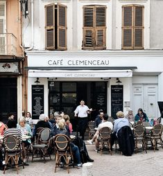 "toujoursdramatique: ""One of my favorite cafés in Antibes had a makeover while I was away, and it's simply adorable. (at Le Clemenceau) """