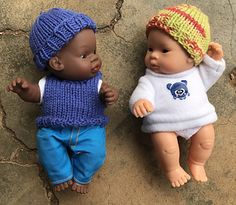 Designed to fit the head of a small baby doll. My dolls are Miniland 21cm baby dolls.