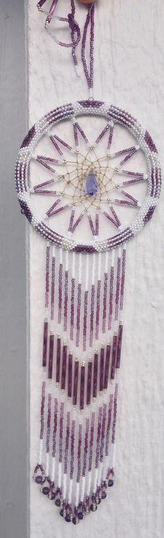 Dreamcatcher  idea Wire Crafts, Ribbon Crafts, Diy And Crafts, Native American Crafts, Native American Beading, Dream Catcher Earrings, Dream Catchers, Shutter Projects, Medicine Wheel