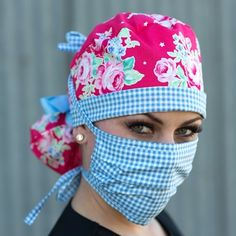 KimKaps stylish scrub caps keep you looking cute while on the job. These customizable surgical caps are handmade and versatile to accommodate your needs. Diy Mask, Diy Face Mask, Face Masks, Sewing Hacks, Sewing Tutorials, Scrub Hat Patterns, Scrubs Pattern, Stylish Scrubs, Surgical Caps
