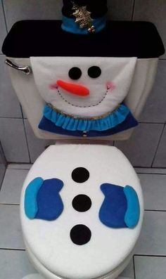 Elf Christmas Decorations, Blue Christmas Decor, Christmas Bathroom, Christmas Arrangements, Cheap Christmas, Farmhouse Christmas Decor, Christmas Art, Christmas Kitchen, Holiday Crafts