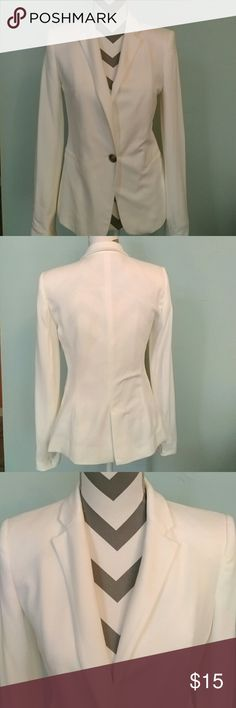 ZARA White blazer Material: 100% Cotton  PRICE IS FIRM!!!    Made in Morocco Zara Jackets & Coats Blazers