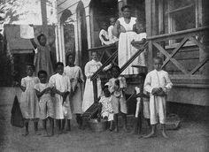 Internaat Kleinwelka in de Domineestraat te Paramaribo 1914