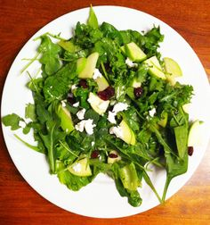 Sweet and tangy goat cheese salad