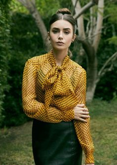 Lily Collins Style, French Girl Style, Phil Collins, Hollywood Glamour, American Actress, Nice Tops, Role Models, Fitness Fashion, Beautiful Women