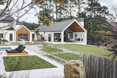 🌟Tante S!fr@ loves this📌🌟Dave Blanchard House Photos by Duncan Innes Photography Modern Barn House, Modern House Design, Future House, My House, Dream House Exterior, House Goals, Exterior Design, Building A House, Architecture Design