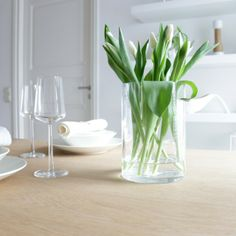 Party Entertainment, Glass Vase, Cool Style, Parties, Entertaining, Green, Kitchen, Table, Blog