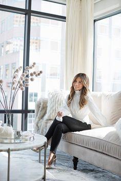 Business Headshots, Business Portrait, Corporate Portrait, Photoshoot Inspiration, Mode Inspiration, Foto Website, Professional Headshots Women, Look Office, Foto Fashion