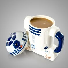 I NEED THIS IN MY LIFE! Star Wars R2-D2 Coffee Mug With Lid For The Caffeinated Geek - this is the droid I'm looking for