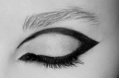Eye make-up eyeliner cat-eye Makeup Inspo, Makeup Inspiration, Diy 70s Makeup, Mod Makeup, 1970s Makeup, Twiggy Makeup, Beauty Make Up, Hair Beauty, Make Up Designs