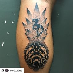 #Repost @benji_tatts with @repostapp  Bassnectar zeds dead and pineapple fusion.  #tattoocloud #eagleviewtattooproducts #borneoink #borneoinktattoos #pinapple #cheaplikepineapple #tattoos #geometric #geometrictattoo #dotwork