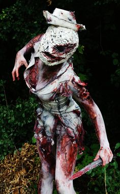 Silent Hill Nurse Cosplay.