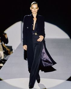 """6c18978ff Date With Versace on Instagram: """"Gucci Fall 1996 by Tom Ford   Model: Kate  Moss"""""""