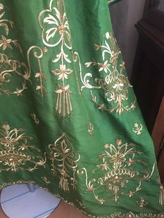19th ANTIQUE OTTOMAN-TURKISH GOLD METALLIC DIVAL HAND EMBROIDERIED BRIDAL DRESS 4