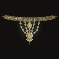 Ottoman jade and gem set silver gilt necklace, Turkey, 15th-16th century