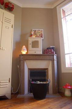 Kids Room, fireplace, Mushroom Lamp
