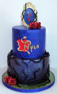 Disney Descendants cake for Miss Ayla's birthday. 2 Birthday Cake, 9th Birthday Parties, 8th Birthday, Birthday Ideas, Descendants 2 Cake, Disney Descendants, Cake Cookies, Cupcake Cakes, Villains Party