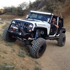 Beautiful #Jeep #Rubicon with stellar #LED light bars! You can find these products and more soon @RepublicLED