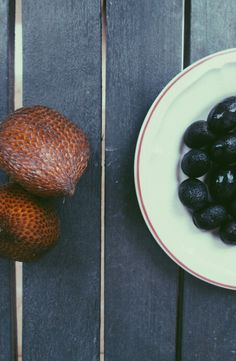 Black and brown fruits