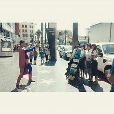 Hollywood , Los angeles, Usa . predicación metropolitana y a Superman le llamo la atención.