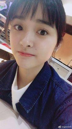 คนหรือตุ๊กตา! เฉินเย่ว์ นางเอก A Love So Beautiful น่ารักมากกกกกก | Dek-D.com New Year Concert, Shan Cai, Meteor Garden 2018, A Love So Beautiful, Moon Princess, Chinese Actress, Blackpink Jennie, Beautiful Drawings, Asian Actors