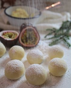 {Passion fruit truffle} Ingredients: 250 g white chocolate ∕ 2 … – Pastry, cakes, cookies Whipped Cream Icing, Homemade Sweets, Cake Ingredients, Piece Of Cakes, Cookie Desserts, Confectionery, Christmas Treats, No Cook Meals, White Chocolate