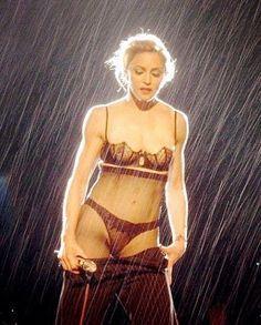 Madonna, Like a Virgin Waltz live at MDNA Tour 2012 LINDONNA! . #madonna #mdna #mdnatour #likeavirgin #madonnaline #madonnatour… Madonna Tour, Madonna 80s, Lady Madonna, Madonna Albums, Veronica, Carlos Mendes, Madonna Pictures, Madonna Images, Divas Pop