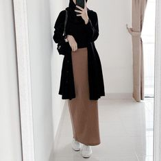 Ootd Hijab, Hijab Fashion, Duster Coat, Normcore, Mirror Selfies, Casual, Jackets, Work Outfits, Model