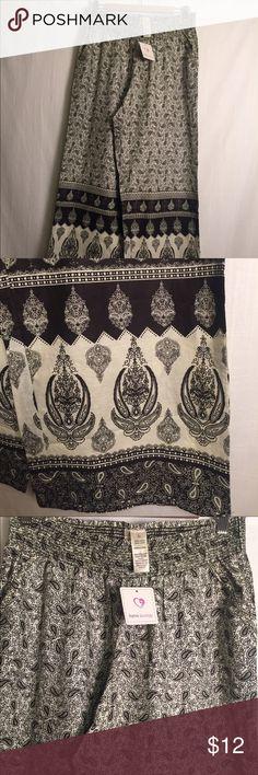 NWT Japna Lounge Pant Black and white Indian pattern Japna Lounge Pant, new with tags! Size Large. Japna Lounge Pants