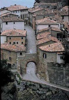 I Borghi più belli d´Italia, la guida online ai piccoli centri dell´Italia nascosta  San Leo Rimini