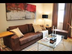 Como decorar com mesa de centro e lateral - http://www.decoracaodecoracao.com/como-decorar-com-mesa-de-centro-e-lateral #decoração - #arquitetura - #paisagismo