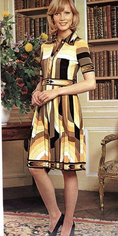 1974 autumn fashion - what can i say. low rent pucci perhaps Seventies Fashion, 70s Fashion, Fashion History, Fashion Photo, Autumn Fashion, Vintage Fashion, Fashion Outfits, Fashion Trends, Vintage 70s