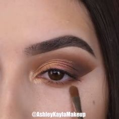 "So beautiful! History of eye makeup ""Eye care"", put simply, ""eye make-up"" has always been Asian Eye Makeup, Makeup Eye Looks, Eye Makeup Steps, Beautiful Eye Makeup, Makeup For Brown Eyes, Smokey Eye Makeup, Eyebrow Makeup, Skin Makeup, Eyeshadow Makeup"