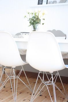 New chairs Eames, Chairs, Furniture, Home Decor, Decoration Home, Room Decor, Home Furnishings, Stool, Side Chairs