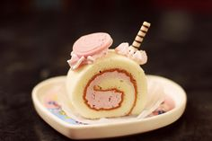 Cheshire Cat Swiss Roll Cake by CharacterHunters
